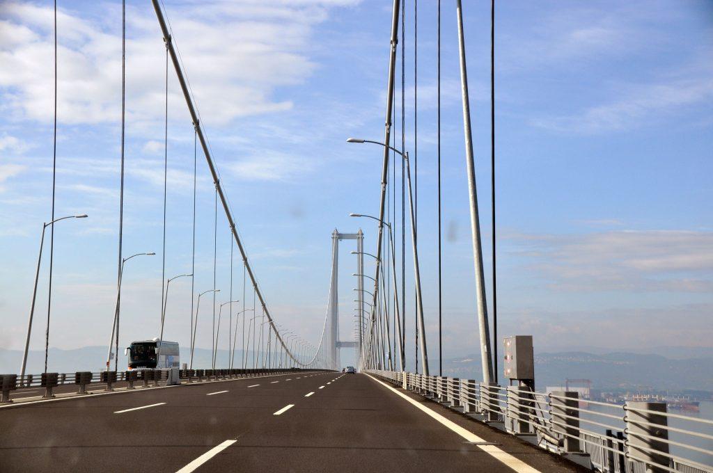 Мост Osman Gazi через Измитский пролив