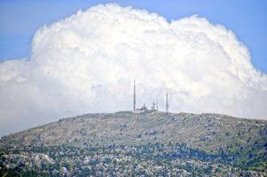Облако-взрыв вблизи города Бурдур